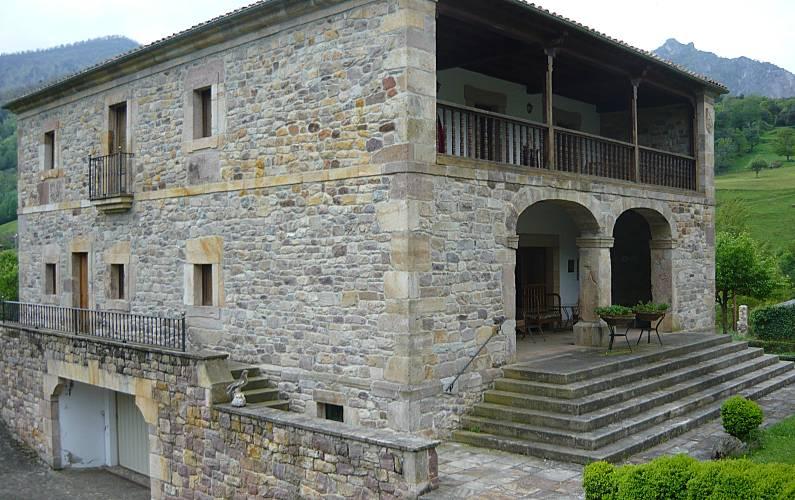 Picos Exterior del aloj. Cantabria Camaleño Villa en entorno rural - Exterior del aloj.