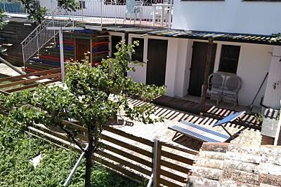 Appartamento Civetta con piscina a 10 km dalla spiaggia Ancona