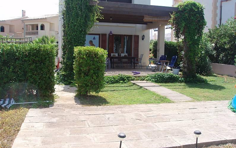Villa With 2 Bedrooms Only 1000 Meters From The Beach Urbanitzacio S Estanyol Arta Majorca