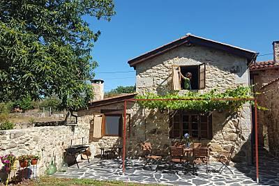 Casa Naranja-Casa rural en Ribeira Sacra. Lugo