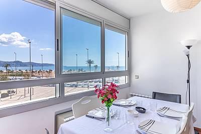 Apartamento nuevo, 2 habitaciones, frente al mar. Girona/Gerona
