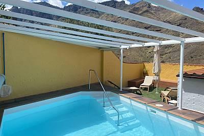 En la montaña y mar casa con piscina y jacuzzi Gran Canaria
