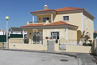Villa with seaview for rent 2 km from the beach Leiria