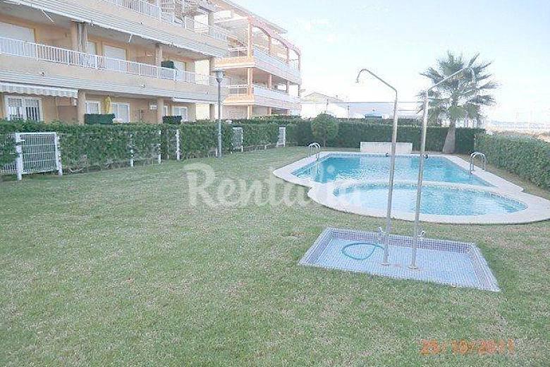 Appartement pour 5 personnes front de mer xeraco playa for Piscine jardin valence