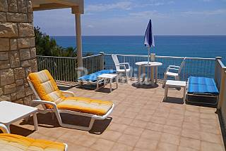 Villa with 3 bedrooms on the beach front line Alicante