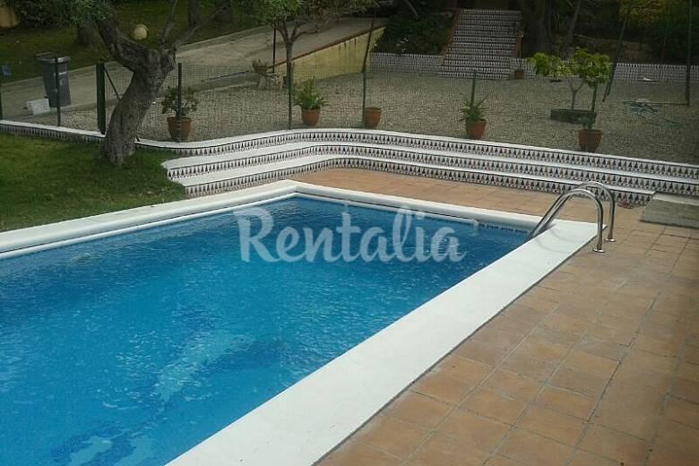 Villa con piscina privada y barbacoa en calafell mas for Villas con piscina privada