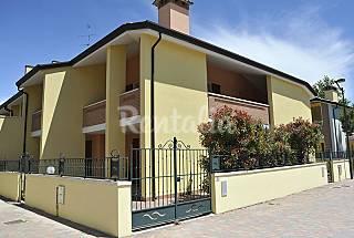 Casa Vacanza al mare,giardino,arredi nuovi,8 posti Ferrara