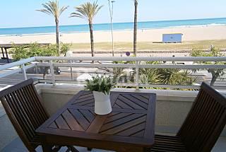 Precioso, apartamento en alquiler 1a línea de mar  Tarragona