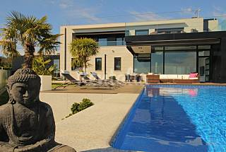 Genuine luxury with private swimming pool, terrace Pontevedra