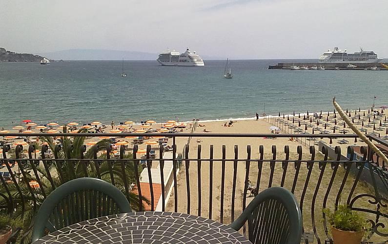 Appartamento per 4-7 persone fronte mare Messina
