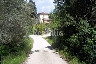 Appartamento in villa con giardino privato  Firenze