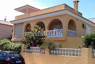 Casa de dos apartamentos a 50 m de la playa Valencia