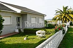 House with 4 bedrooms 2.2 km from the beach Pontevedra