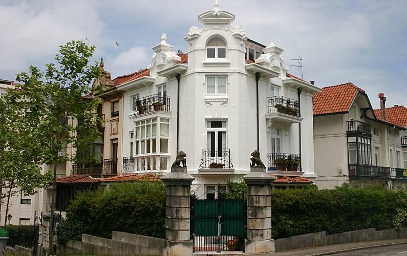 Apartamento de 2 habitaciones en santander centro santander cantabria camino de santiago del for Atendimento santander no exterior