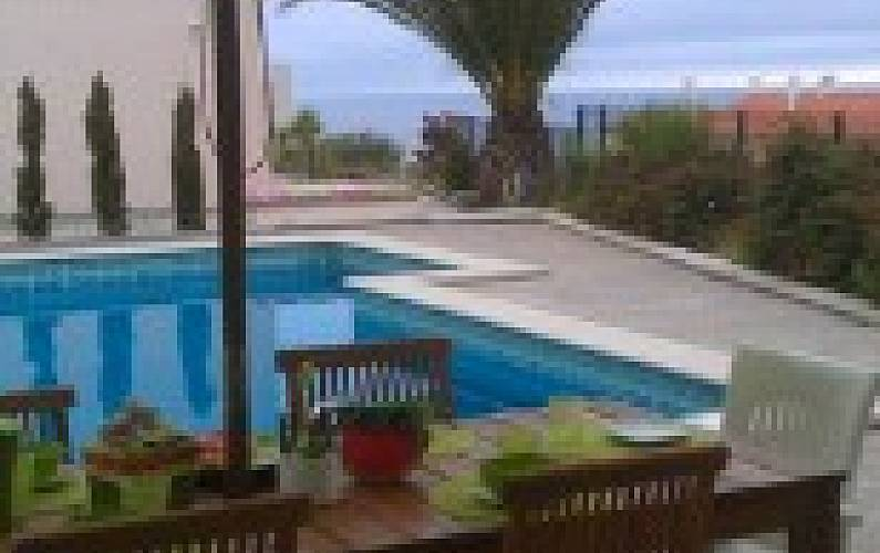 Villa for 6 people only 500 meters from the beach Lisbon - Swimming pool