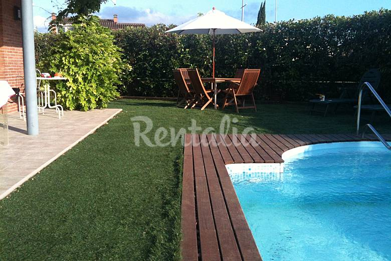 Casa en alquiler con piscina y chimenea cornell del for Alquiler de piscinas