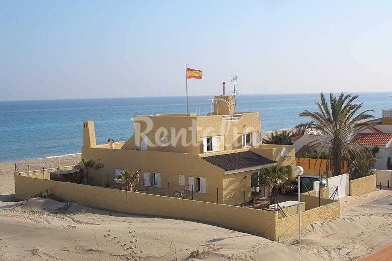 Seafront villa, six bedrooms 14/16 pers Murcia
