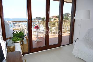 Apartment for rent on the beach front line Girona