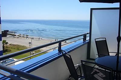 Apartamento para 4-6 personas en 1ª linea de playa Málaga
