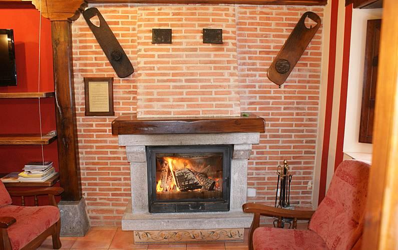 Casa Salón León Posada de Valdeón Casa en entorno rural - Salón
