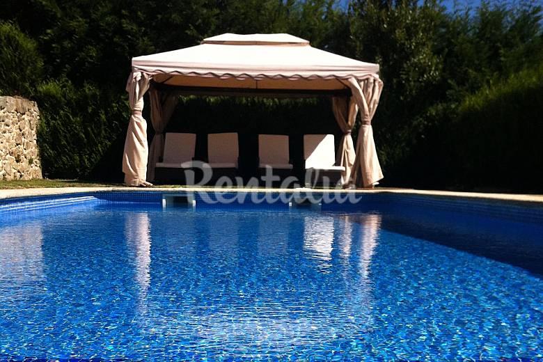 Casa con encanto de 4 habitaciones con piscina tomi o for Casas con piscina en galicia