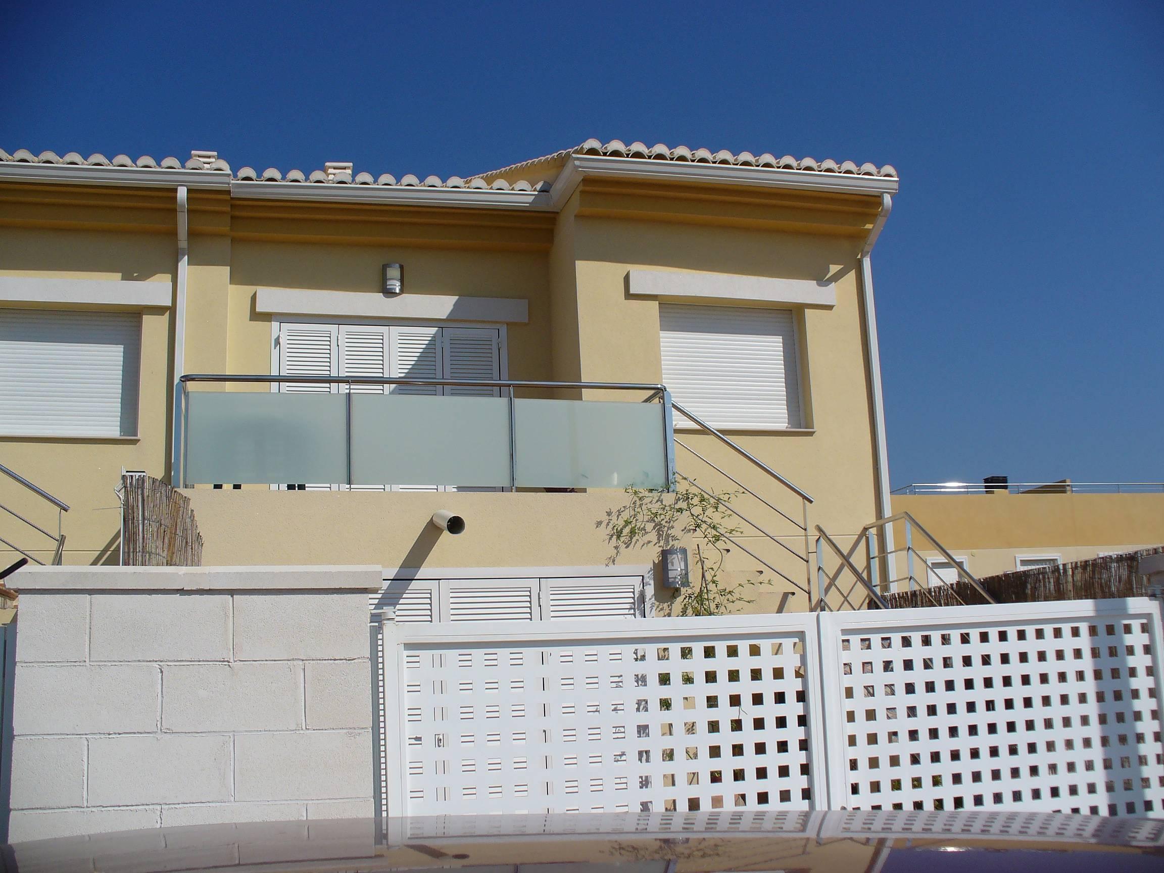 maison en location 200 m de la plage oliva valence. Black Bedroom Furniture Sets. Home Design Ideas