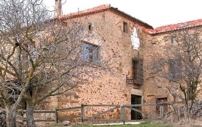 Casa Exterior del aloj. Soria Arévalo de la Sierra Casa en entorno rural - Exterior del aloj.