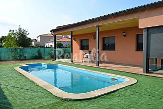 Villa for rent 5 km from the beach Girona