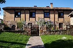 Casa de piedra con jardín privado Palencia