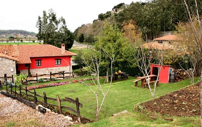 Casa Jardín Asturias Ribadesella Casa en entorno rural - Jardín