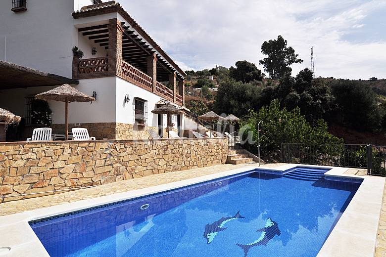 Huerta del r o casa en alquiler con piscina riogordo for Casas vacacionales con piscina