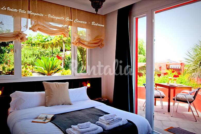 Splendid Villa with 4 bedrooms 5 terraces & garden Gran Canaria