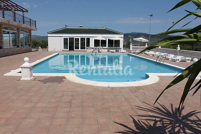 Villa masia sierra irta 7 km de la plage alcal de for Calcul piscine m3