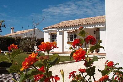 Casitas con piscina y muy cerca de la playa Cádiz