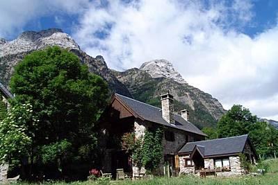 4 Casas para 4-21 personas con jardín privado Huesca