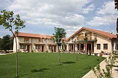 8 Apartamentos para 4-36 personas con jardín privado Soria