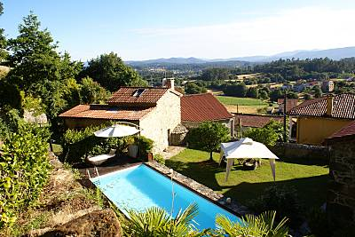 Casa con jardín y piscina  VT-00063 A Coruña/La Coruña