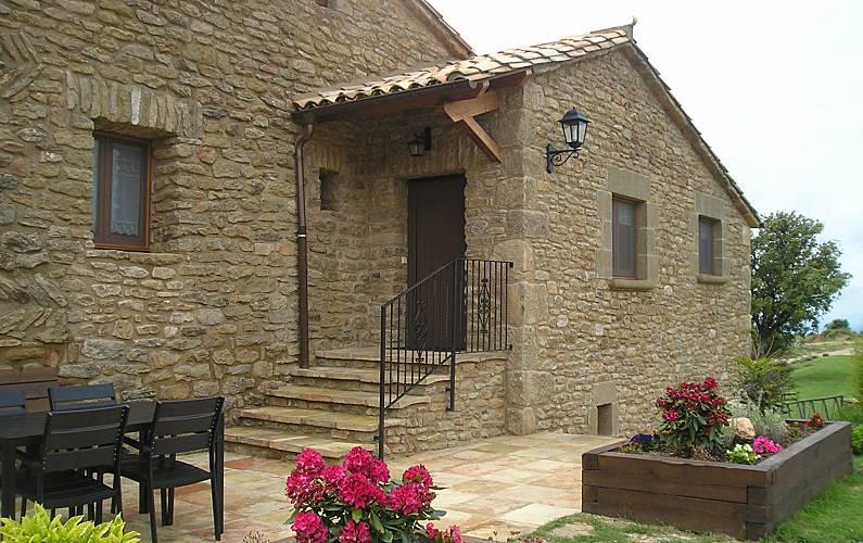 Casa Exterior del aloj. Lleida/Lérida Lladurs Casa en entorno rural - Exterior del aloj.