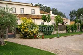 4 Houses with 9 bedrooms with swimming pool Girona