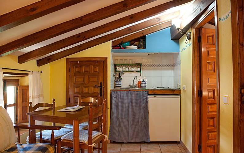 Aptos. Comedor Cáceres Robledillo de Gata Casa en entorno rural - Comedor