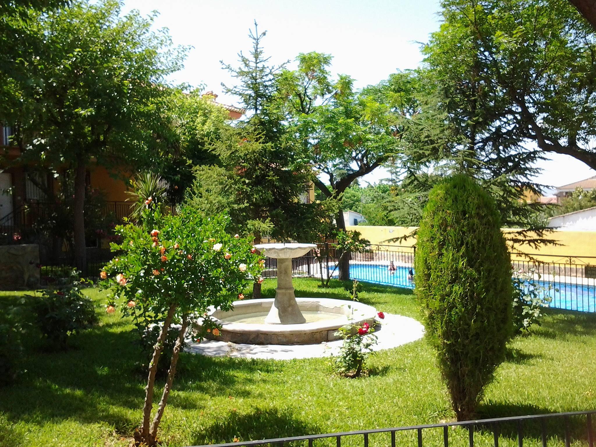 Apartamento en alquiler con piscina og jares granada for Alquiler casa con piscina granada