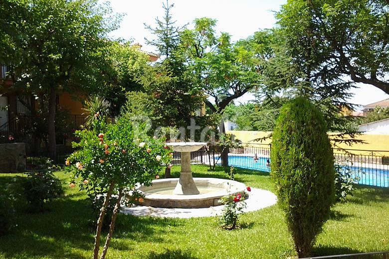 Apartamento en alquiler con piscina og jares granada for Jardin botanico granada precio