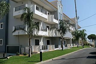 Apartamento de 2 dormitorios en alquiler a 900 m Algarve-Faro