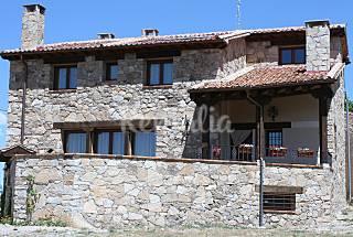 Villa for 8-10 people with private garden Segovia