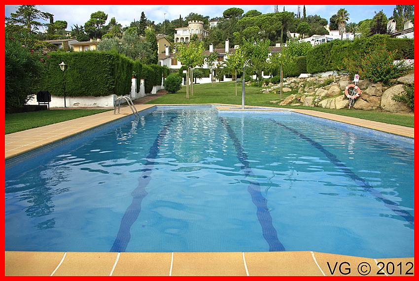 Maison pour 4 personnes avec piscine santa maria de for Location maison tossa de mar avec piscine