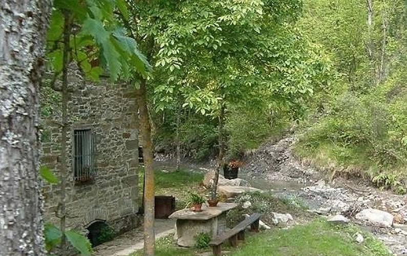 Casa per 16 persone con giardino privato Parma - Parte esterna della casa