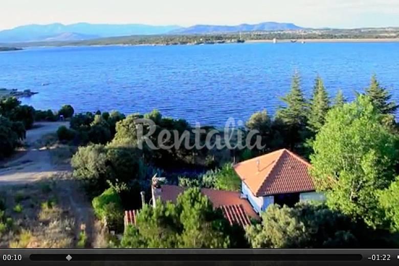 Casa de lago en madrid con piscina privada el paraiso for Piscina de lago madrid