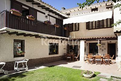 Casa señorial con gran jardin y  piscina Zaragoza