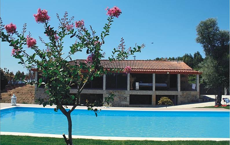 16310051743c4 Casa en alquiler con piscina Braga - Exterior del aloj.
