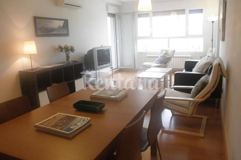 4 Apartamentos de 1 a 10 personas. Garaje. 50-300€ Rioja (La)